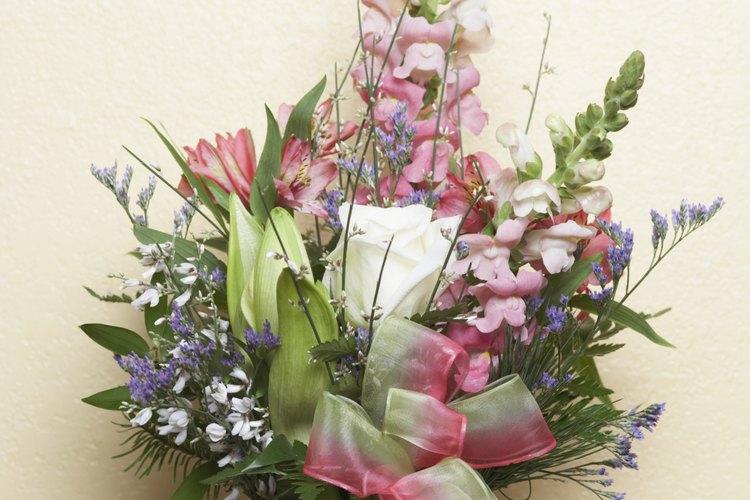 Las flores son una característica tradicional en muchos velorios.