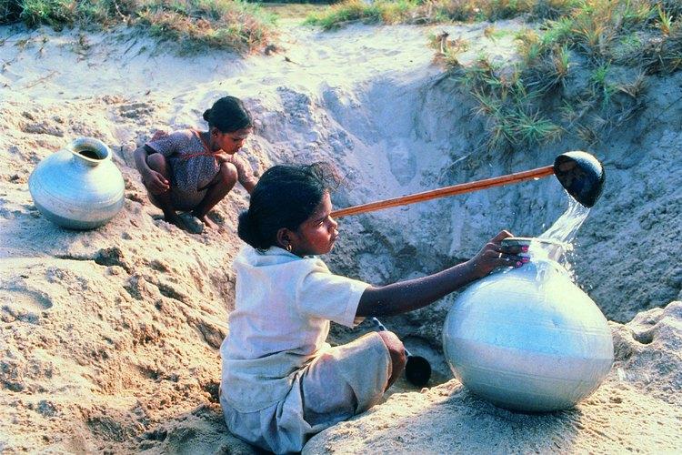 En gran parte del mundo, la explotación de los pozos acuíferos es una fuente valiosa de agua dulce.