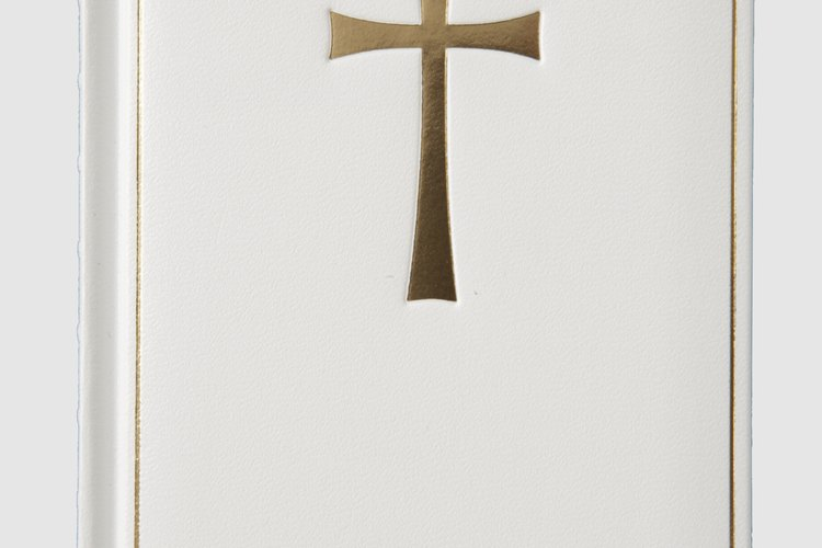 El Misal Romano es el texto litúrgico que contiene todas las oraciones y lecturas de la celebración del rito romano en la Iglesia Católica.