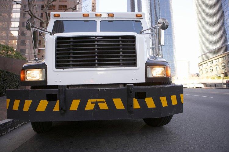 Un guardia de camión blindado se especializa en seguridad y transporte.