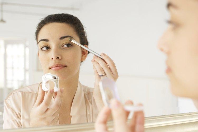 En una salida informal se recomienda no abusar del maquillaje.