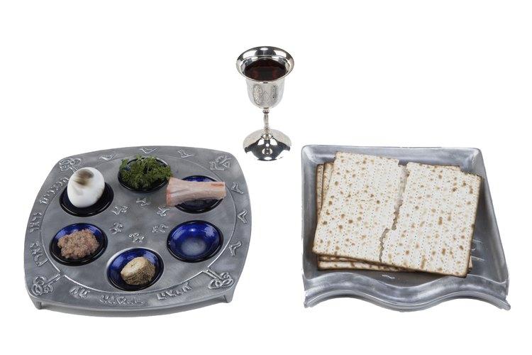 Lo que más se destaca de las Pascuas Judías es una fiesta llamada Seder.