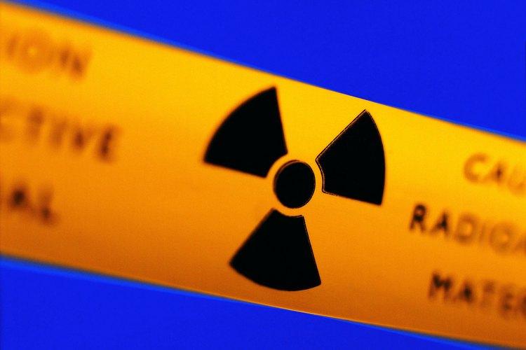 Las partículas alfa están compuestas de dos protones y dos neutrones, como los núcleos de helio.