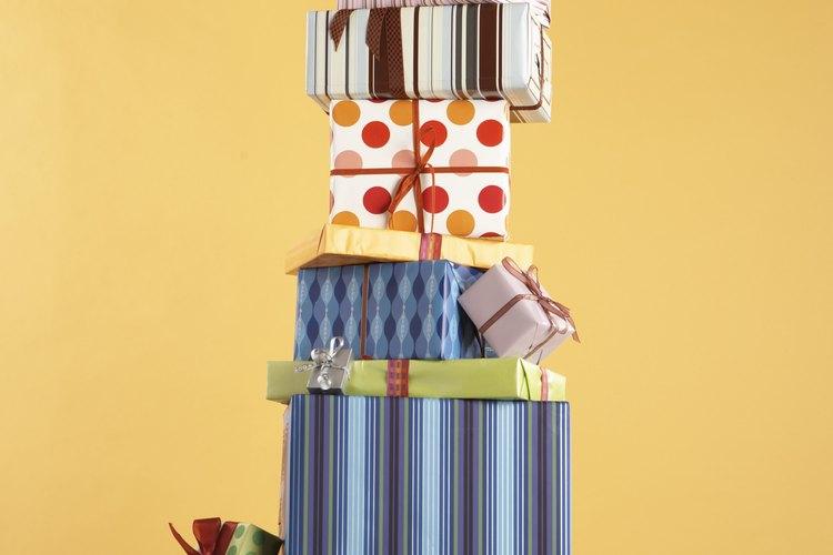 Cada participante debería envolver su regalo antes del intercambio.
