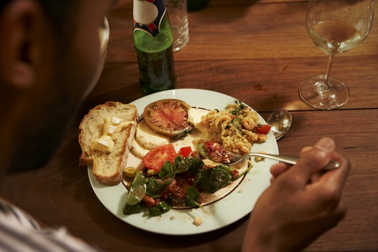 Las comidas de funeral puede ir de simples bocados a platos principales.