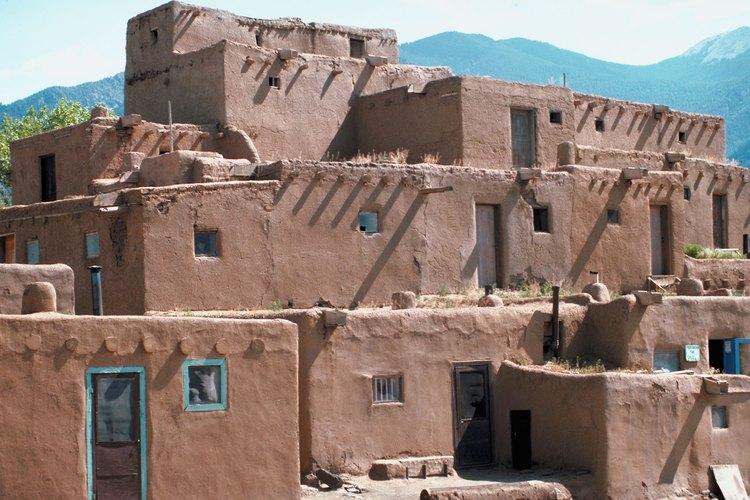 El adobe ha sido usado para la construcción de las primeras viviendas.