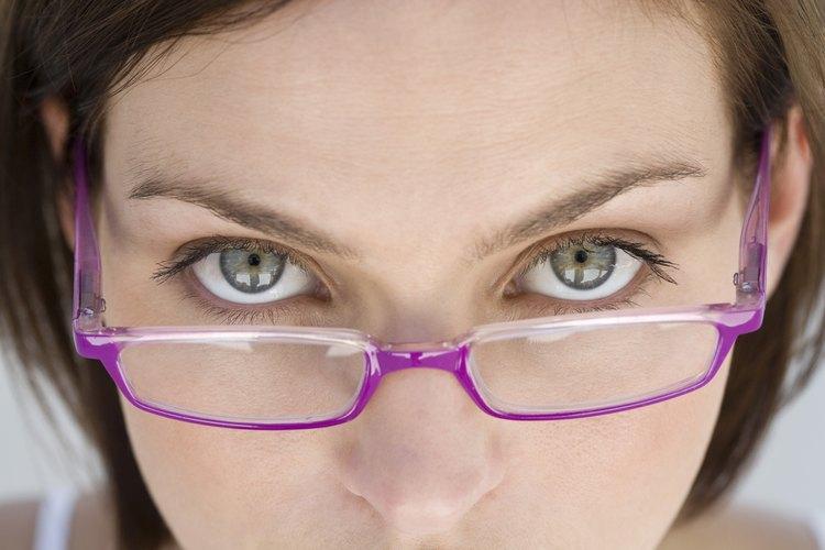 Con el cuidado y la limpieza apropiada, los anteojos deberían durar varios años.