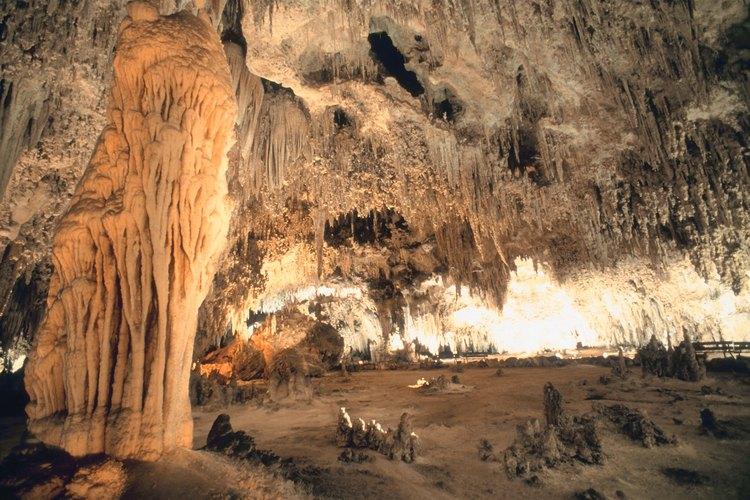 Cueva de piedra caliza.