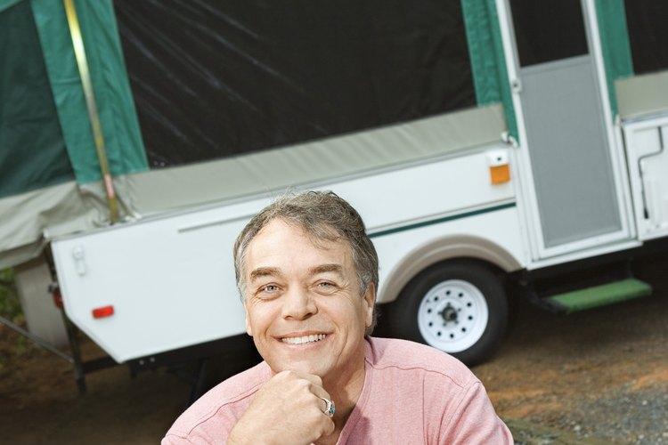 Prepara tu vehículo recreativo RV para ir a acampar en Stoke State Forest, New Jersey.