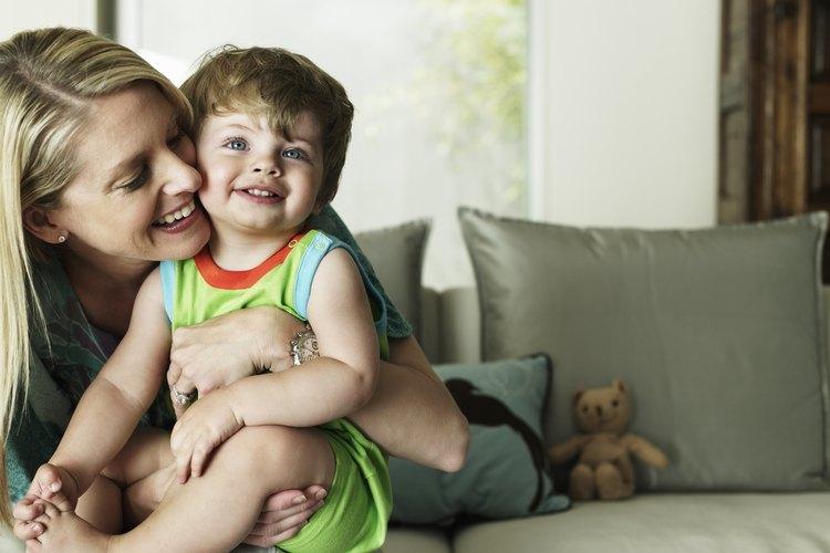 Tu bebé comienza a desarrollar el control de la cabeza en sus primeros meses.