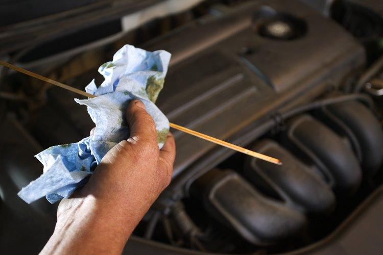 Haz limpiar la transmisión del auto