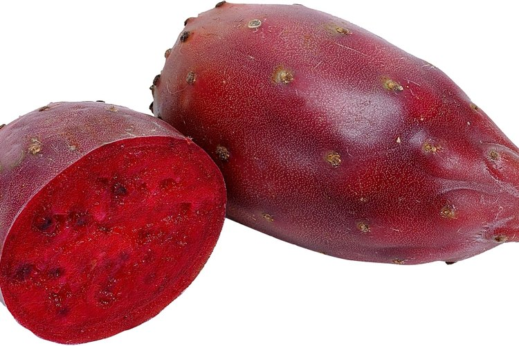La pera espinosa es una fruta.