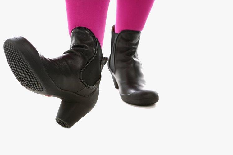 Continúa siendo una fiel seguidora de la moda creando el estilo perfecto para lucir estas botas al tobillo y evitando el suicidio de la moda.