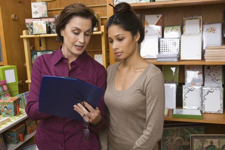 Los almaceneros pueden ser dueños de pequeños negocios o empleados de una gran organización.