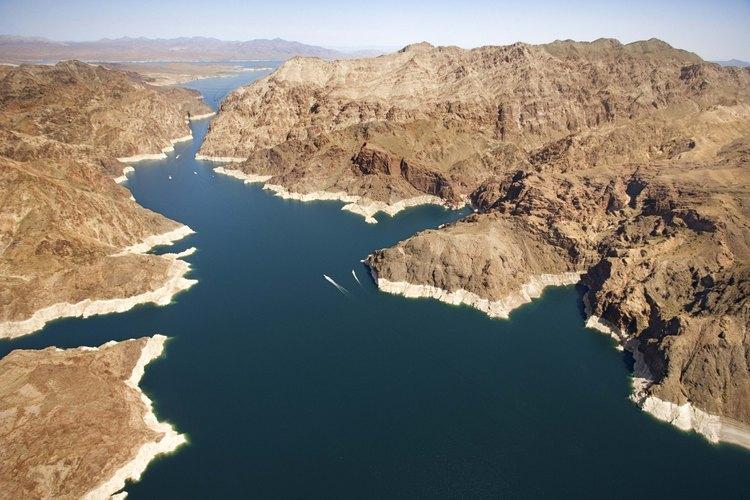 Puedes acampar en las playas de Lake Mohave en el área de recreación nacional Lake Mead.
