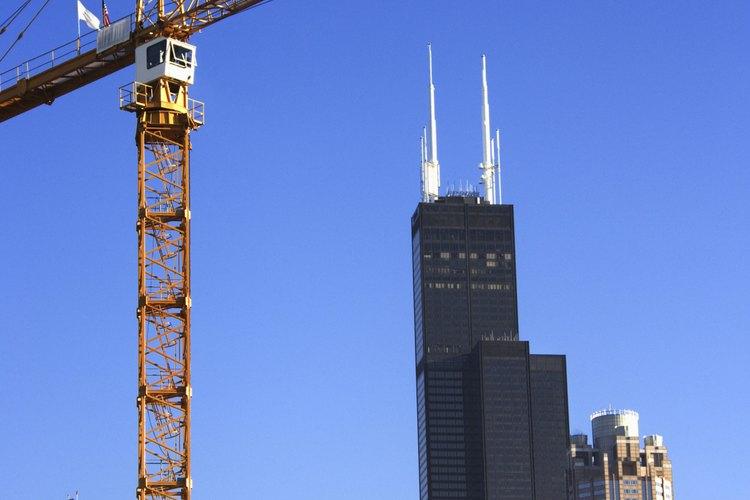 Las grúas torre pueden utilizarse en diversos proyectos de construcción.