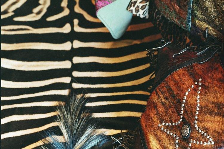 Los colores medios o claros funcionan bien con estampados de cebra.