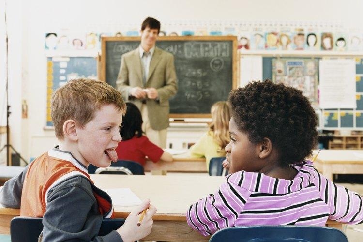 Una buena administración del aula reduce el hablar en clase.