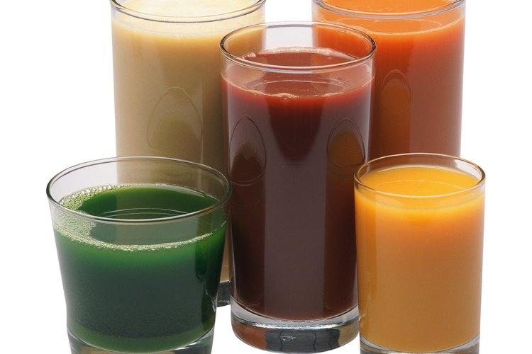 Ciertas verduras se pueden unir para hacer deliciosas mezclas de jugo de vegetales.