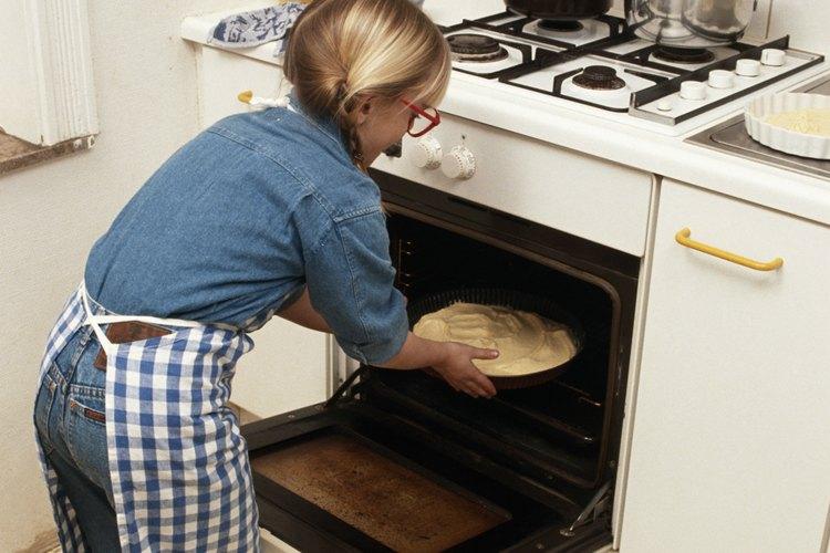 Utiliza la vajilla correcta para asegurarte de cocinar de forma segura.