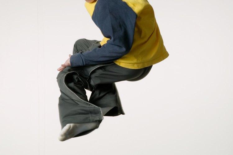 La idea es que practiquen sus saltos y además se diviertan, puedes hacer uso de su música preferida.