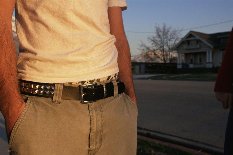Si quieres comprobar la autenticidad de la hebilla de tu cinturón Hermes, debes realizar un examen exhaustivo del objeto.