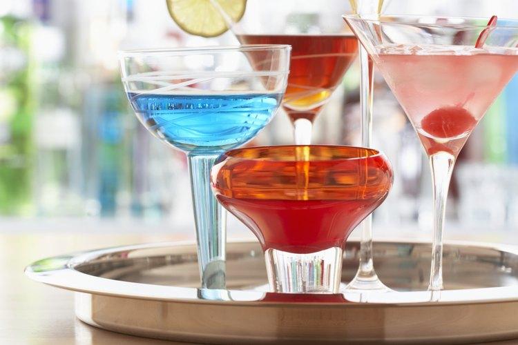 El Amaretto es un ingrediente clave en muchas recetas de bebidas mezcladas incluyendo cócteles, bebidas y café.