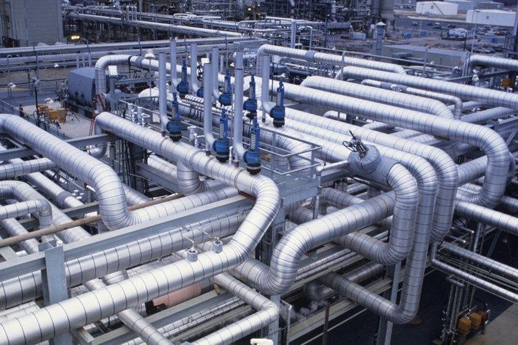 Los vertidos industriales pueden encontrar su camino dentro de los lechos de arroyos y ríos.