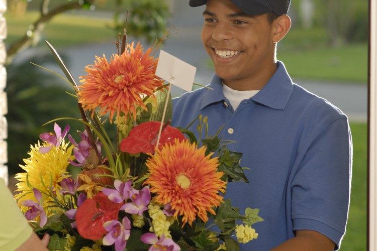 Las flores son un regalo que la mayoría de las mujeres aprecian.