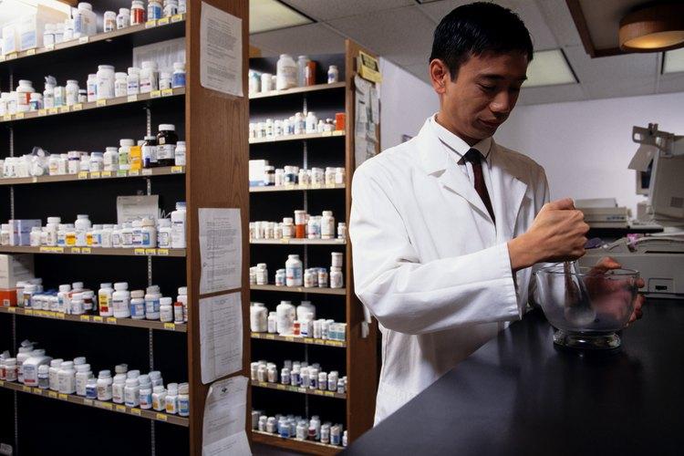 Los técnicos farmacéuticos usan matemáticas desde aritmética hasta álgebra.