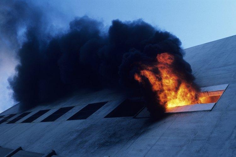 Un inventario en exceso puede causar un riesgo de incendio que afecta potencialmente a todo un barrio.