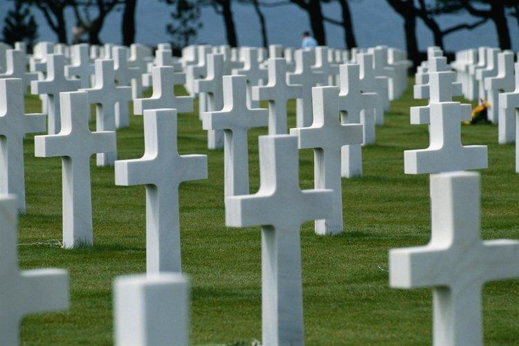 El cementerio estadounidense en Normandía domina la playa de Omaha.