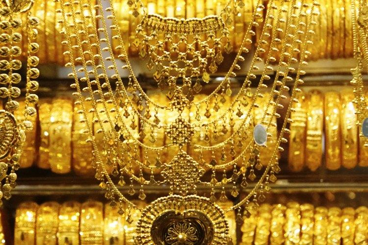 La mayoría de artículos de oro tienen un sello como prueba de que son genuinos.