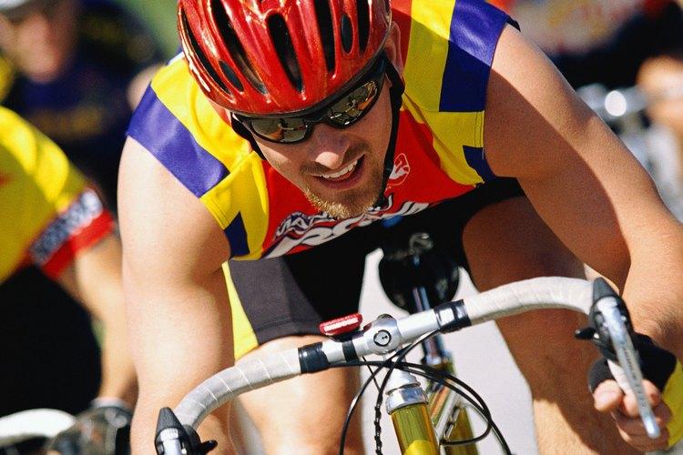 Durante una carrera de triatlón, puedes ir sin nada en el segmento de la bicicleta.