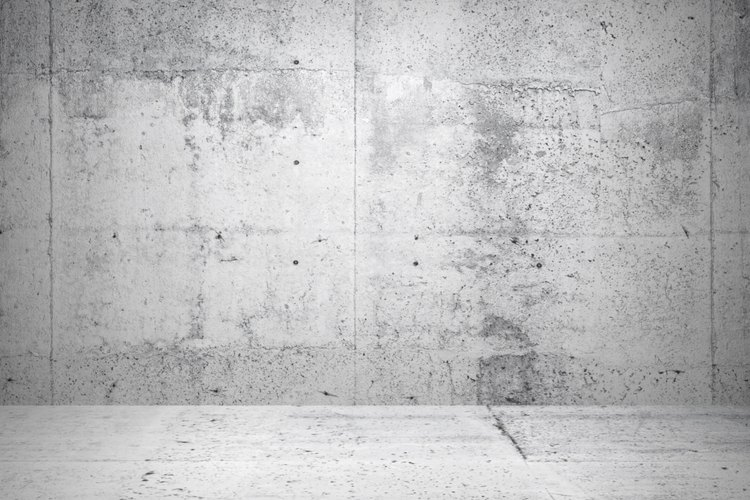 Usa ácido muriático para limpiar concreto únicamente cuando no tienes otro limpiador para hacer el trabajo.