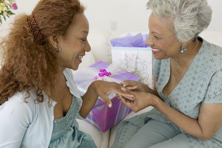 Un regalo de compromiso es un gesto de consideración.