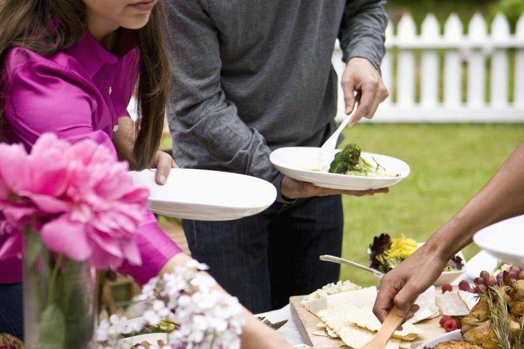 Una comida luego de un funeral le da la oportunidad a los familiares de nutrirse y socializar antes de emprender el regreso al hogar.