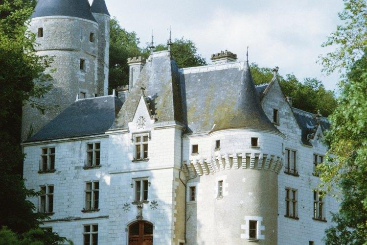 Los castillos necesitaban una cantidad de sirvientes para atender debidamente a la estructura y a las personas adentro.