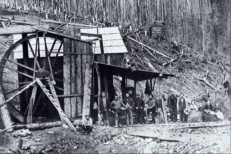 Antes de adentrarte en tus aventuras mineras de oro, aprende sobre la historia de la minería de oro en Georgia con tus hijos.