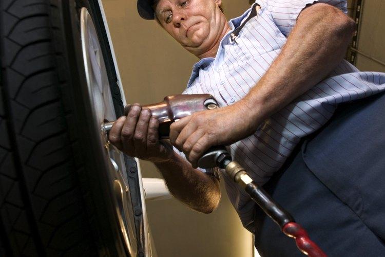 La función principal de un cilindro de aire o neumático es utilizar aire comprimido y la presión del aire para mover cosas.