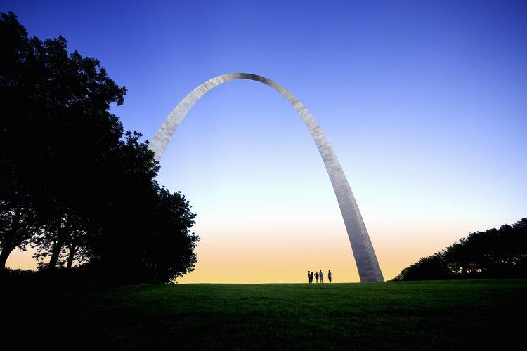 El Gateway Arch es una de cuatro estructuras de acero famosas.