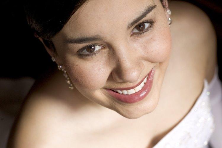 El corte princesa se usa popularmente para los vestidos de novia.