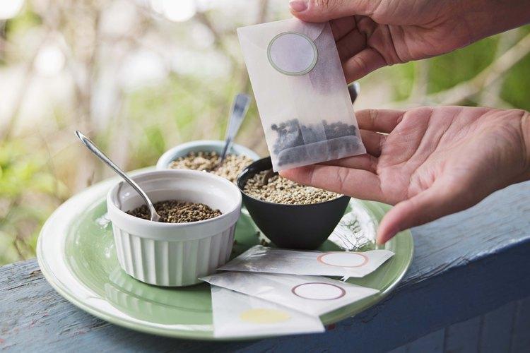 El té de lavanda tiene un sabor herbáceo y persistente.