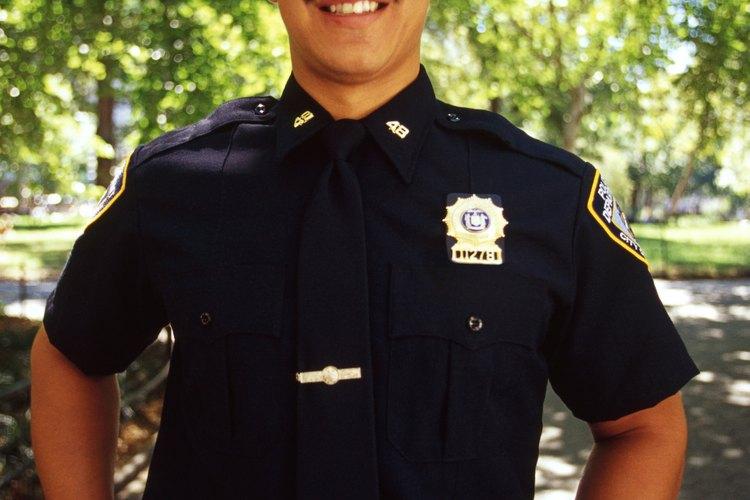 Conviértete en un policía encubierto.