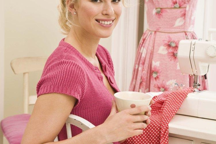 Los modistas pueden trabajar independientemente, en tiendas o en grandes fábricas.