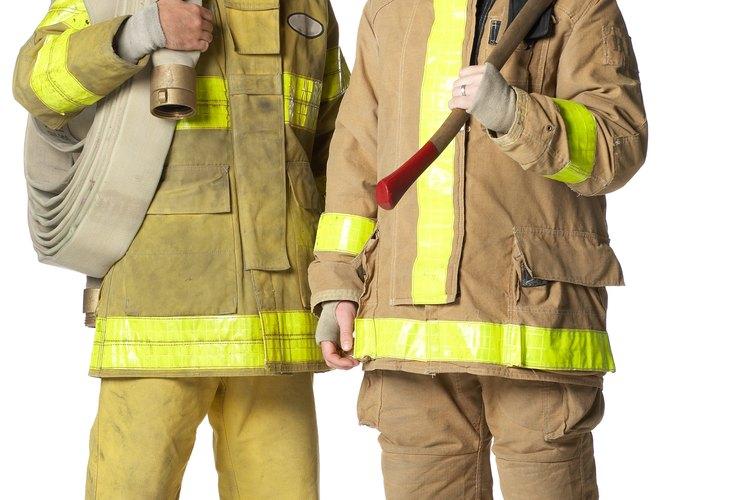 Los trabajadores completamente equipados deben caber en las ventanas de salida.