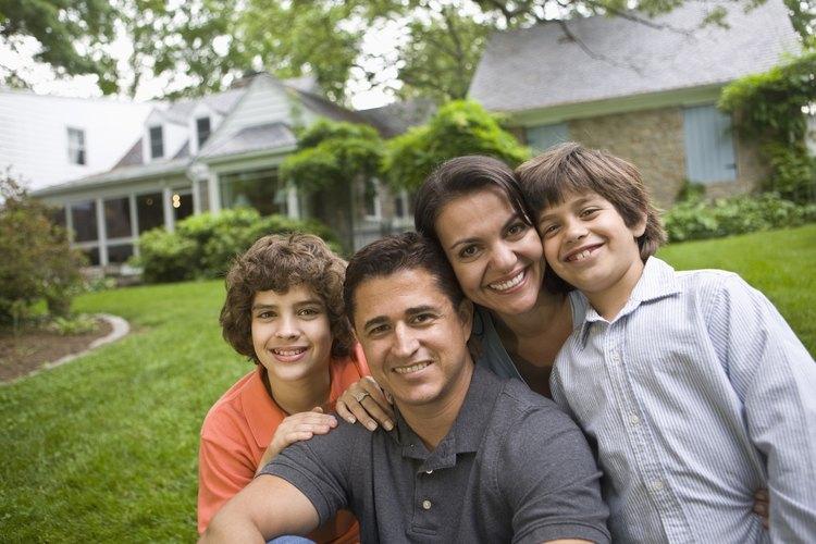 Como parte importante de la sociedad, la familia está en el ámbito de las teorías sociológicas.