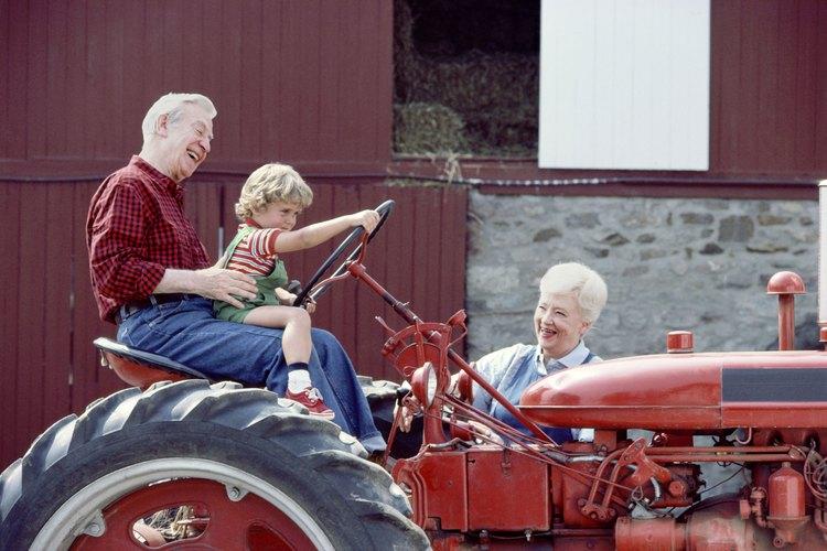 Alienta al niño a compartir los recuerdos felices de momentos pasados con su abuela.