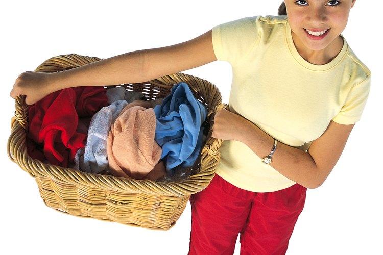 Los adolescentes pueden ayudar a que la casa sea más organizada.