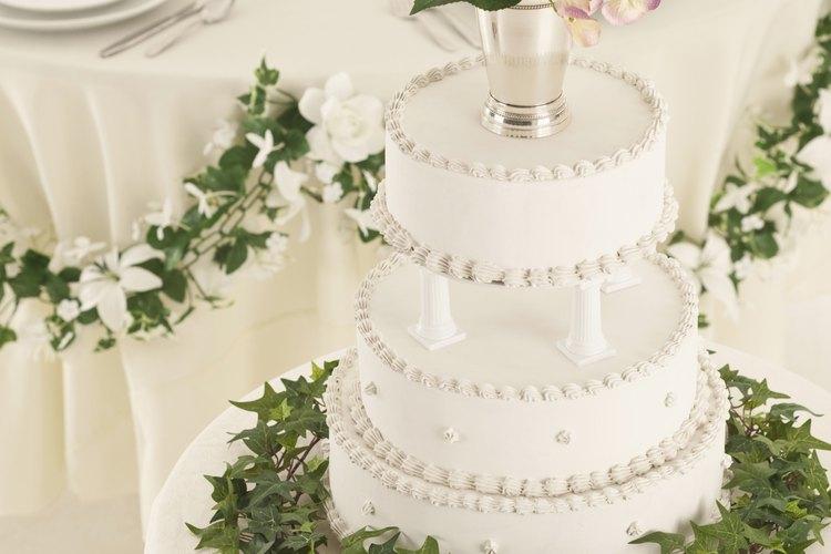 Guarda la parte superior del pastel de boda para celebrar tu primer aniversario.